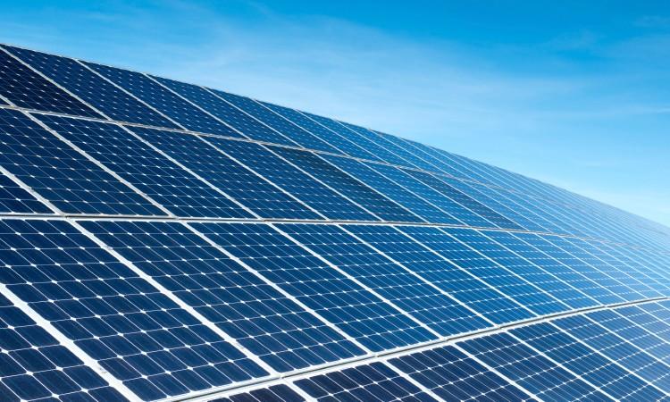 Estão previstos novos incentivos para energia solar até julho